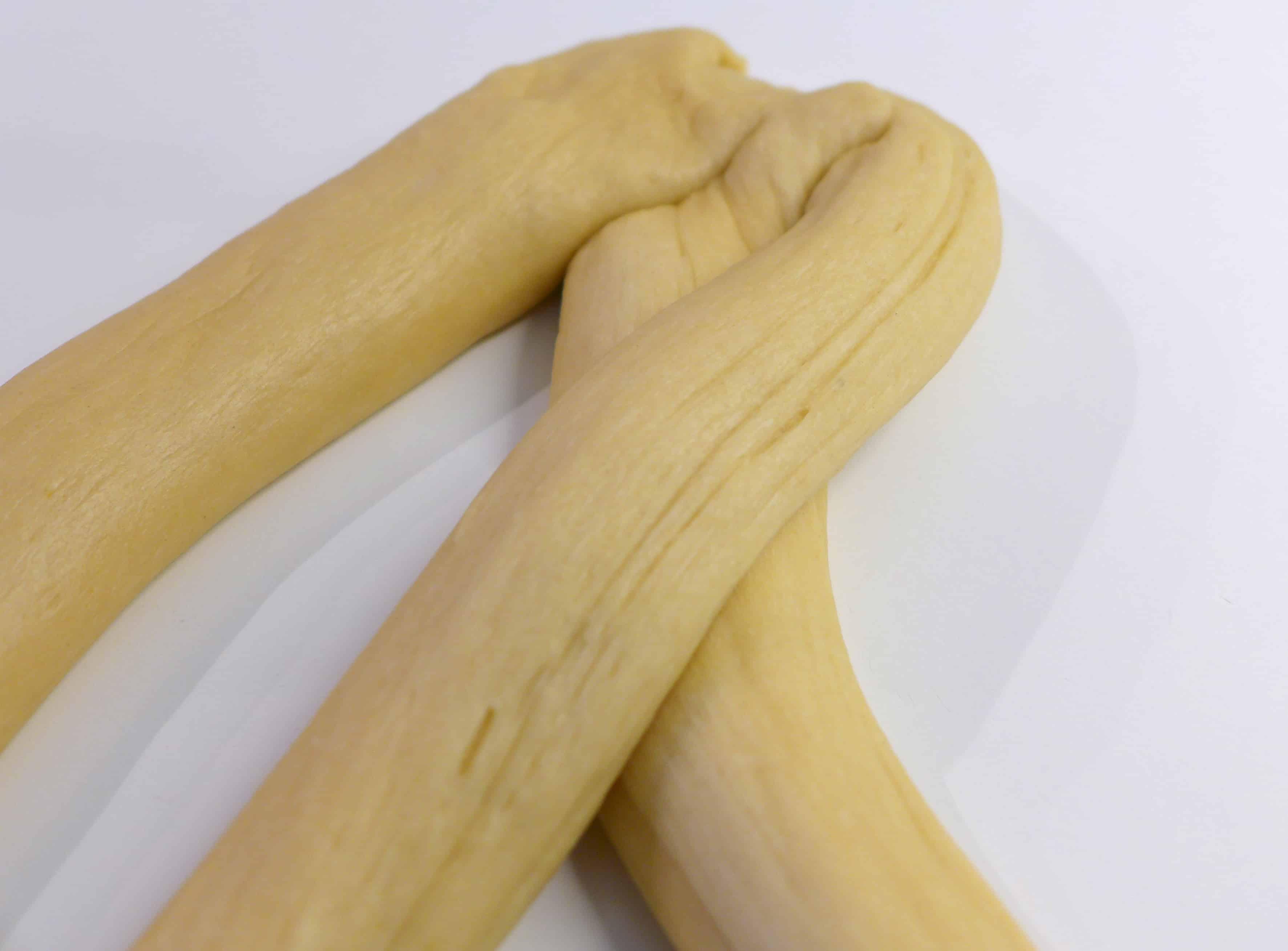 Παραδοσιακό πασχαλινό τσουρέκι με ίνες
