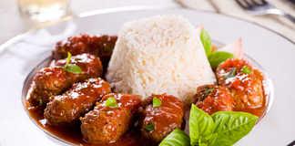 Πολίτικα Σουτζουκάκια συνταγή (Σουτζουκάκια σε σάλτσα ντομάτας)